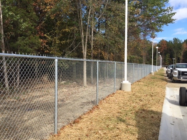 commercial fence install chain link