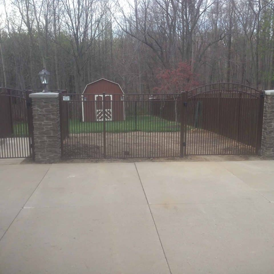 Residential fence installation gate